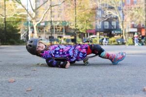 meisje op skateboard